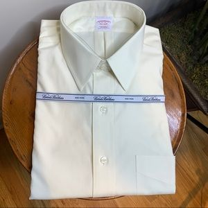 Brooks Brothers    Traditional Fit Shirt 17 33 NWT